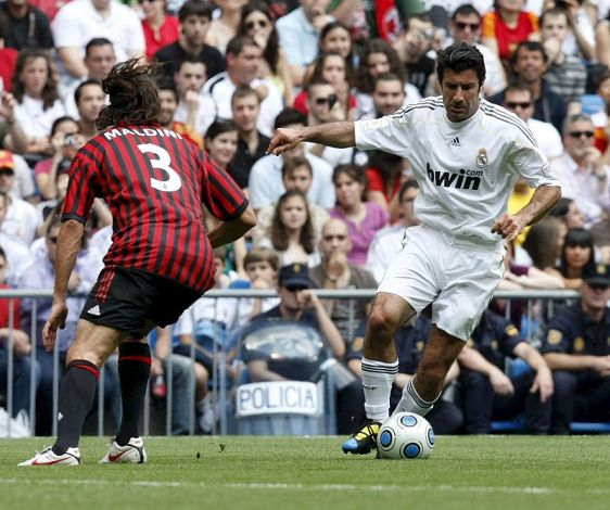 Rui Costa bags a brace as AC Milans legends lost 4 3 to their Real Madrid peers (video)