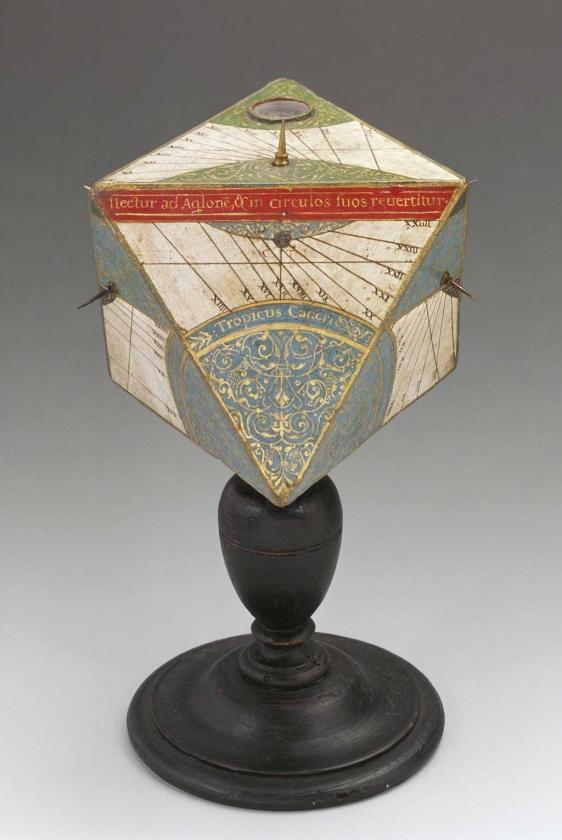Un reloj solar atribuido a Stefano Buonsignori traído del Museo Galileo (Florencia). | Efe