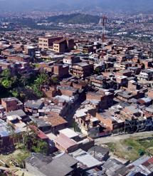 Vista de uno de los antiguos barrios del narcotraficante Pablo Escobar. (Foto: W. Fernández)
