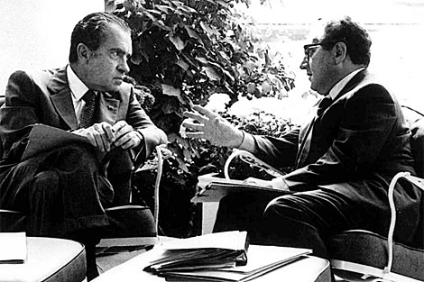 Nixon (izq.) con Kissinger, en la Casa Blanca. | Archivo