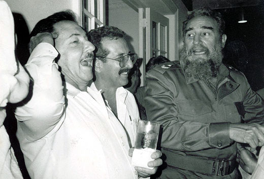 Ral Castro, Norberto Fuentes y Fidel Castro, en mejores tiempos. | Archivo