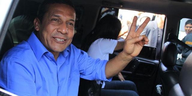 Ollanta Humala saluda a sus seguidores. I Reuters