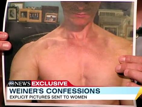 Una de las imágenes que el congresista envío a la joven. | ABC