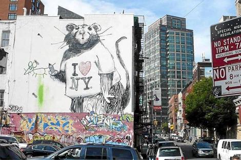 La rata que pintó el artista británico Banksy en una calle de Nueva York. | ELMUNDO.es
