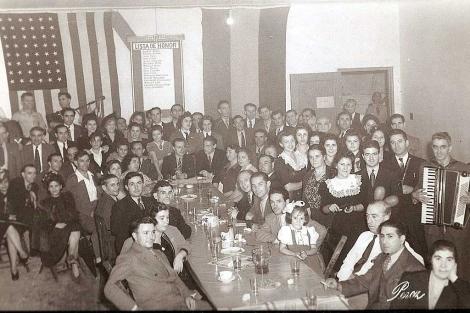 Varios españoles durante una cena en la Casa Galicia en Nueva York en 1940. | Efe