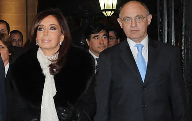Dura critica a la politica exterior Argentina