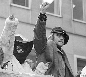 John Lennon (dcha.) y Yoko Ono, en una imagen de 1972. (Foto. AP)