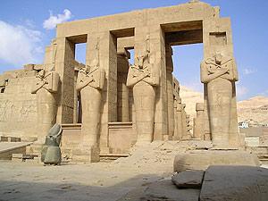 Monumento de Ramesseum, templo dedicado a Ramsés II, uno de los afectados. (Foto: EFE)