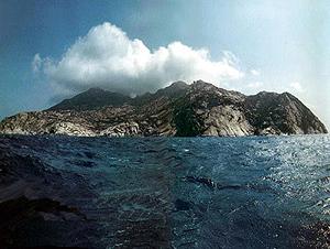 Vista de la Isla de Montecristo, cerca de Elba. (Foto: AP).