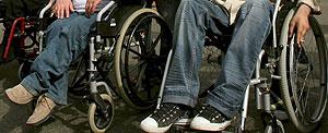 Un grupo de discapacitados en una manifestación. (Foto: EFE)