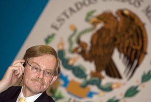 Zoellick, durante la rueda de prensa en el Palacio Nacional de Ciudad de México. (Foto: EFE)