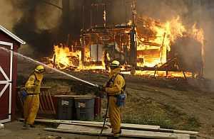 Uno de los focos del fuego. (Foto: AP)