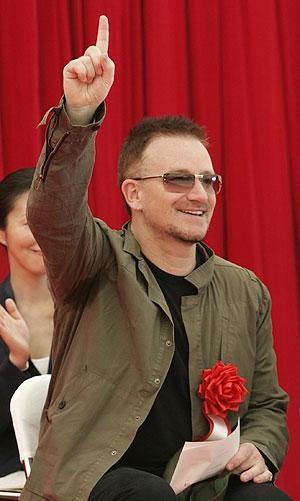 El cantante irlandés Bono en Japón. (Foto: REUTERS)