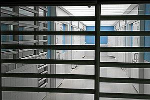 Las celdas están construidas con materiales inífugos. (Foto: Diego Sinova)