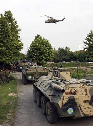 Tropas rusas se internan en territorio de Georgia. (Foto: AP) MÁS FOTOS