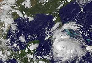 Imagen del huracán facilitada por Meteorólogos de la Administración Nacional de Océanos y Atmósfera. (Foto: AP)
