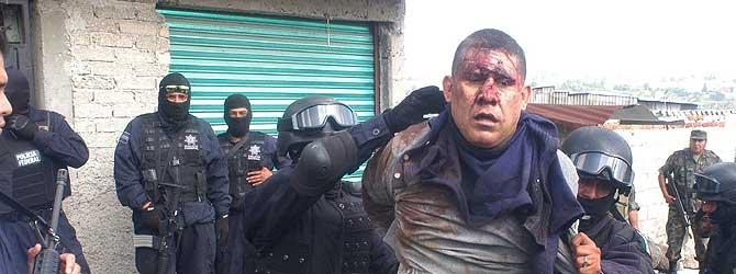 Uno de los secuestradores detenidos por la policía mexicana. (Foto: EFE)