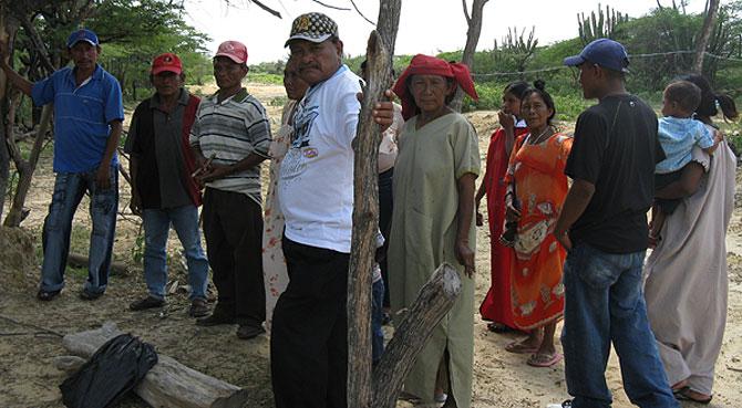 Los wayúu de la comunidad de Acnerutamana pusieron un 'broche' para impedir que siguieran pasando el tubo. (Foto: SH-M)