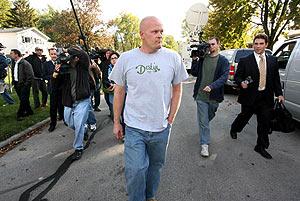 Joe Wurzelbacher, seguido por la prensa en Holland (Ohio, EEUU). (Foto: AP)