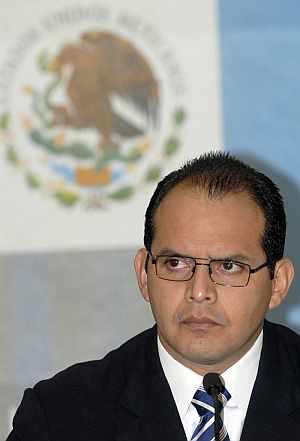 Víctor Gerardo Garay, durante la rueda de prensa que ofreció a los medios. (Foto: EFE)