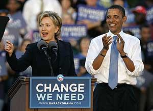 Hillary Clinton apoyando a Obama en un mitin en Orlando. (Foto: AP)