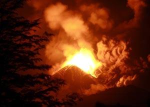 El volcán LLaima de Chile, en plena erupción el 2 de enero de este año. (Foto: REUTERS)