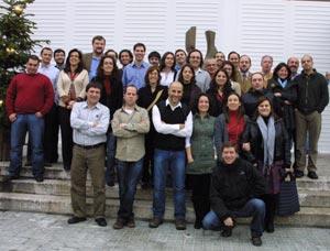 Grupo de jovenes biólogos reunidos en el Centro Nacional de Biotecnología (Foto: CNB)