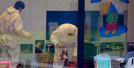Los servicios de emergencia, en la guardería. | AFP