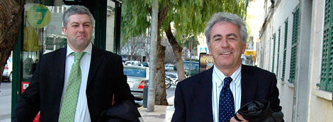 El ex consejero de Vivienda vasco camino a los juzgados de Ibiza. | Sergio G. Cañizares