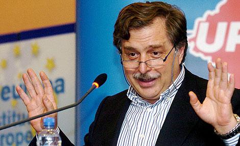 El eurodiputado y periodista Luis Herrero. | Efe