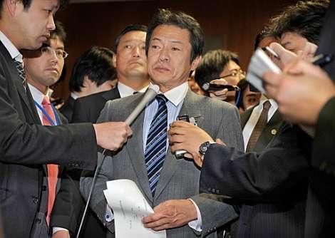 Shoichi Nakagawa responde a las preguntas de los periodistas. (Foto: AFP)