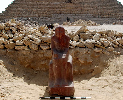 La estatua encontrada. | Foto: EFE