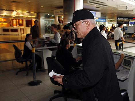 Williamson, en el aeropuerto de Buenos Aires. | Reuters