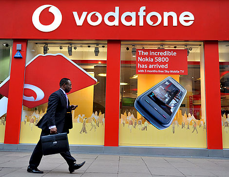 Exterior de una tienda de Vodafone. | Efe