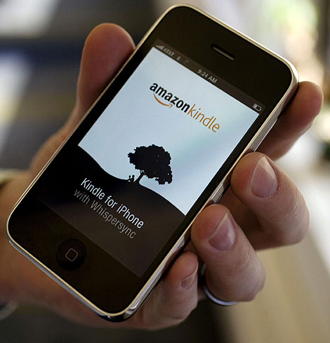 Un iPhone con el 'software' del Kindle (Foto: AP)