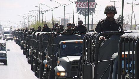 Un grupo de soldados mexicanos llega a Ciudad Juárez. | Reuters