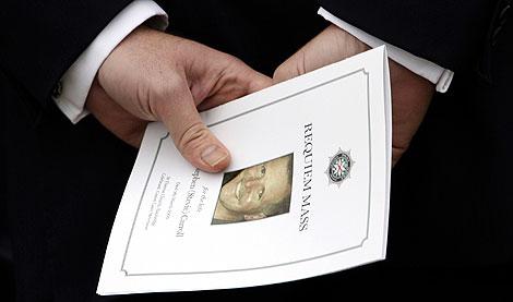 Imagen del entierro de Carroll. | Reuters