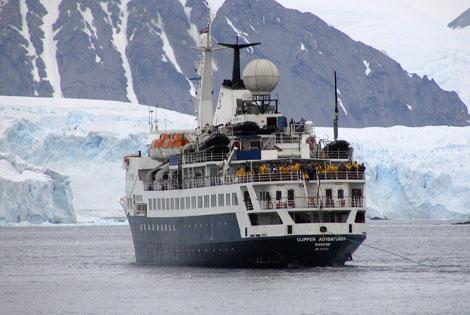 Un crucero turístico que encalló en aguas antárticas el pasado mes de febrero. | Reuters