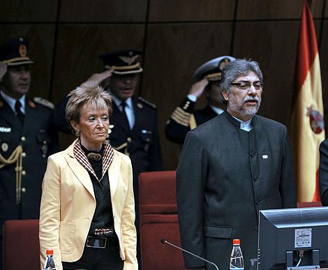 Maritere, hija de alto cargo franquista, con el presidente de Paraguay.