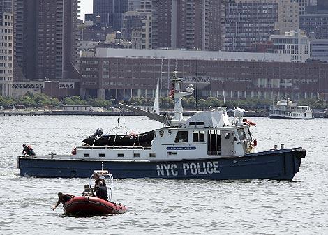 Equipos de rescate buscan supervivientes. (AP)