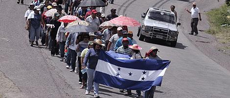 Seguidores del presidente depuesto de Honduras, Manuel Zelaya.  Efe