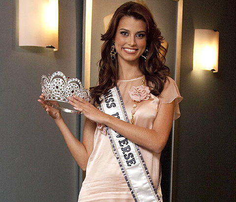 Stefanía Fernández, Miss Universo 2009, con su corona. | Efe