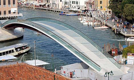 Vista general del puente. | Foto: Efe