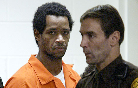 John Allen Mohamed, a su llegada a una vista por uno de los asesinatos. | AP