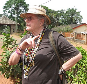 La etonologa y escritora Natalia Bolivar en Camerun.