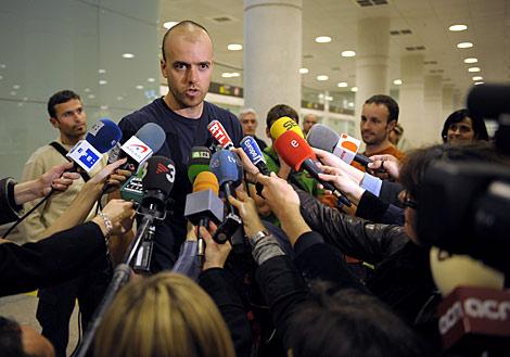 Óscar Llop hace declaraciones a los medios. | Afp