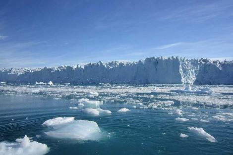 Fotografía donde se aprecia una vista de deshielo en el oeste de Groenlandia. | Efe
