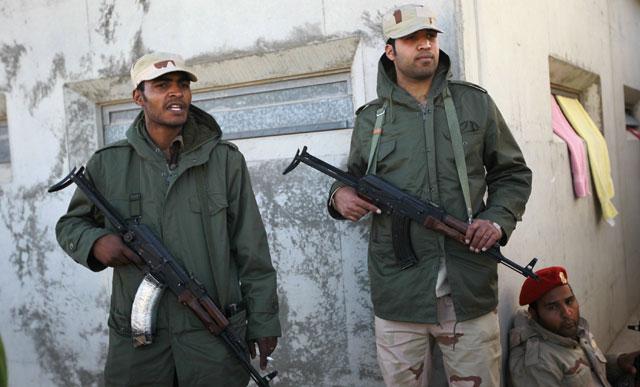 Soldados de las tropas de Gadafi en Trípoli. | Ap