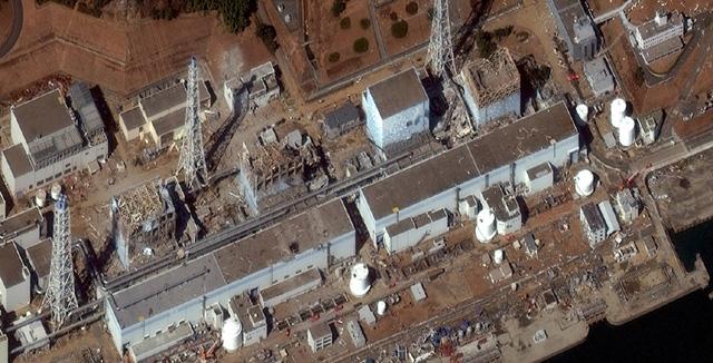 Imagen aérea de cuatro de los reactores de la central nuclear de Fukushima. | Reuters