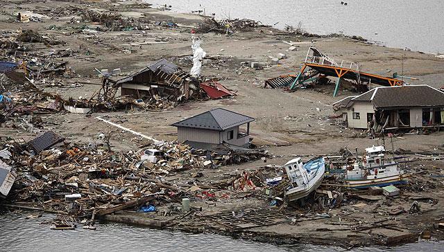Imagen de una de las playas devastadas por el tsunami y ahora contaminadas por la radiación. | Reuters